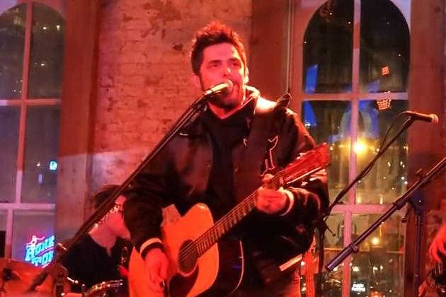 "Thomas Rhett Covers his Dad's Song ""That Ain't My Truck"" [VIDEO]"
