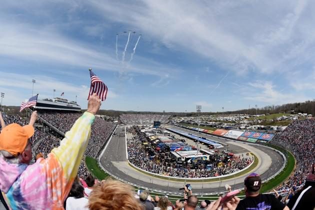 NASCAR Drivers Managing Fenders and Tempers at Martinsville