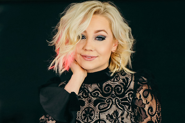 RaeLynn Didn't see Lava during Trip to Hawaii