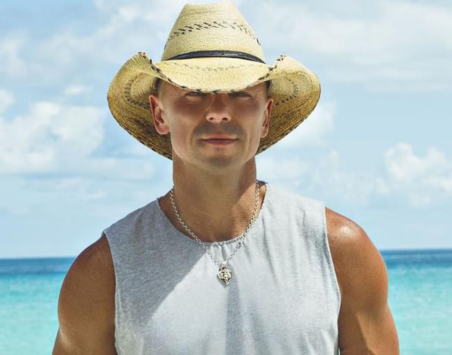 """Kenny Chesney Scores 32nd #1 Song with """"Get Along"""""""