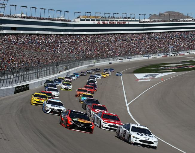 "NASCAR Playoffs Start as Drivers ""Let It Ride"" in Las Vegas"