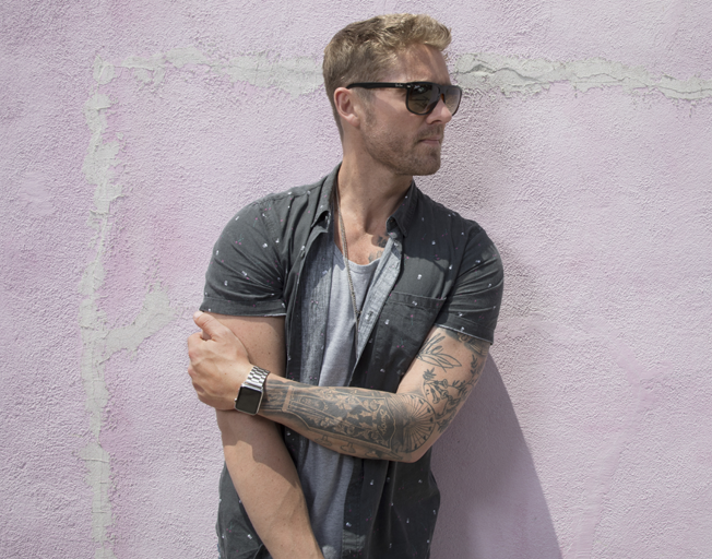 #JustAMinute with Brett Young