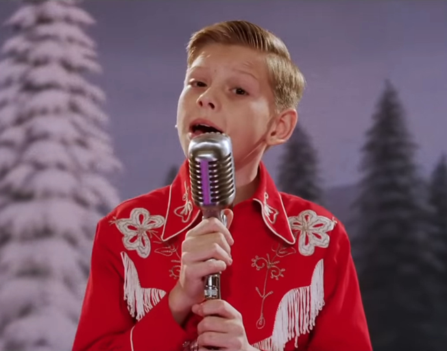 "It's a Western Swing ""White Christmas"" in new Music Video by Mason Ramsey"