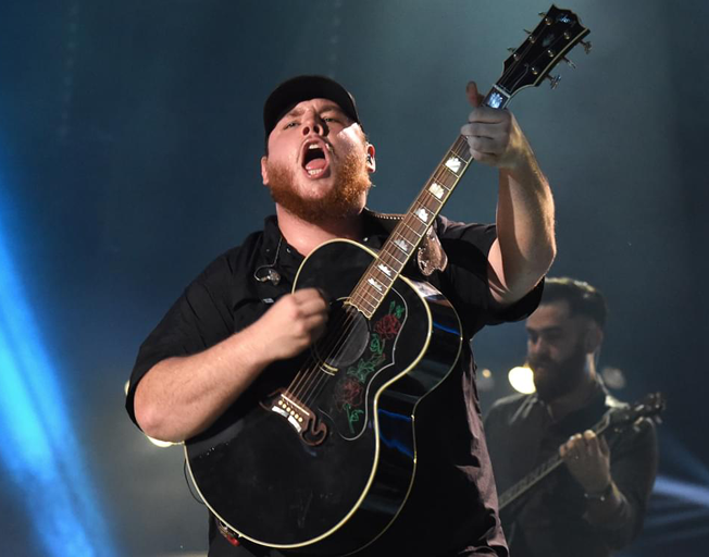 Win Tickets To Luke Combs At Country Thunder AND A Ride On The B104 Bus With Faith & Hunter