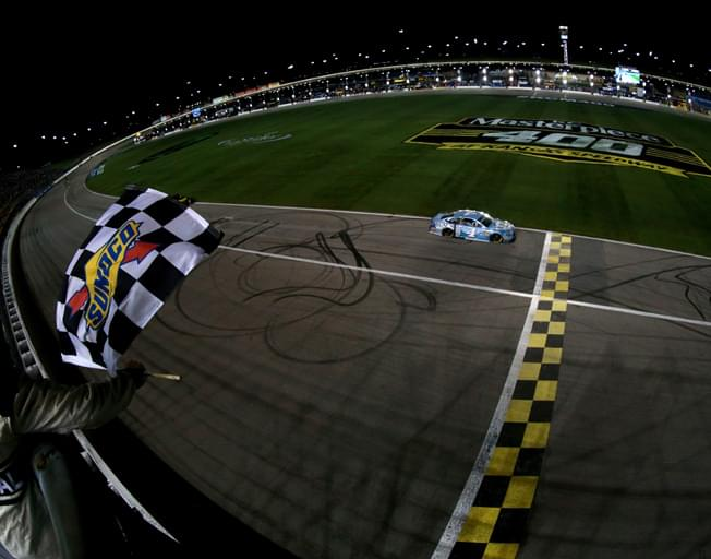 Saturday Night Under The Lights as NASCAR Heads to Kansas