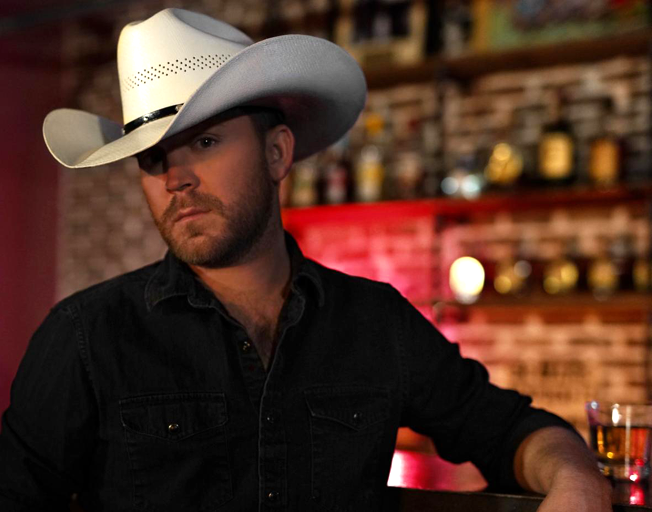 Justin Moore's New Album 'Late Nights and Longnecks' has a shot of 90s Country In It