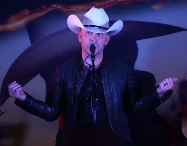 Justin Moore has a Signature Beer [VIDEO]