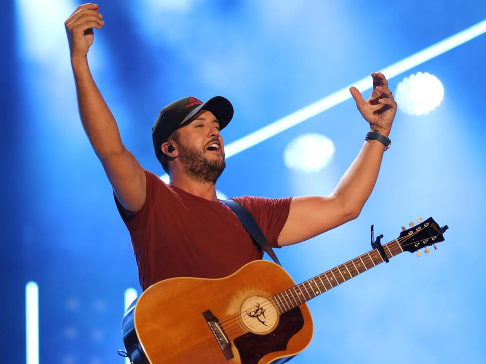 "Luke Bryan Celebrates 10-Year Anniversary of Sophomore Album, ""Doin' My Thing,"" With Vinyl Release"