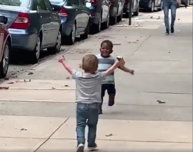 Video Of Toddlers Sharing A Hug Goes Viral