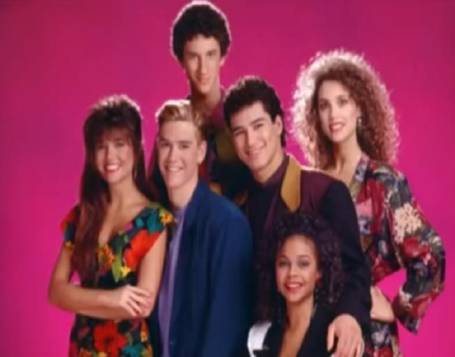 """Saved by the Bell"" Reboot Will Star Mario Lopez and Elizabeth Berkley"