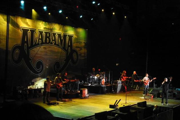 Alabama and Montgomery Gentry in Bloomington, IL [GALLERY]