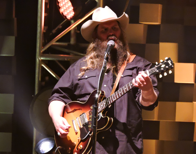 93.7 NASH Icon Welcomes Chris Stapleton to Peoria