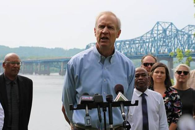 Rauner softens tone in Chicago campaign stop