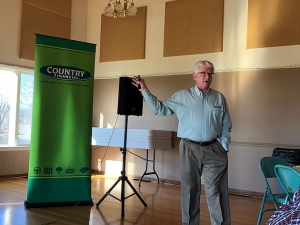 Doug Yoder of COUNTRY Financial presents information for farmers in Fairbury last week. -CIFN Photo