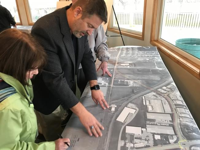 City shows off Hamilton Road extension plans