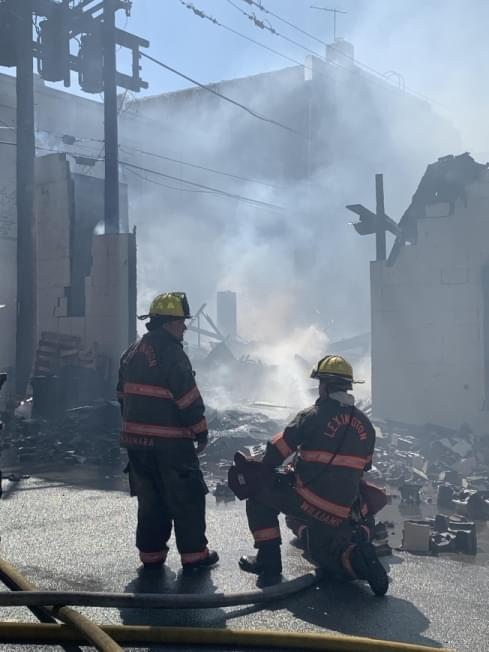 Fire tears through Pontiac businesses