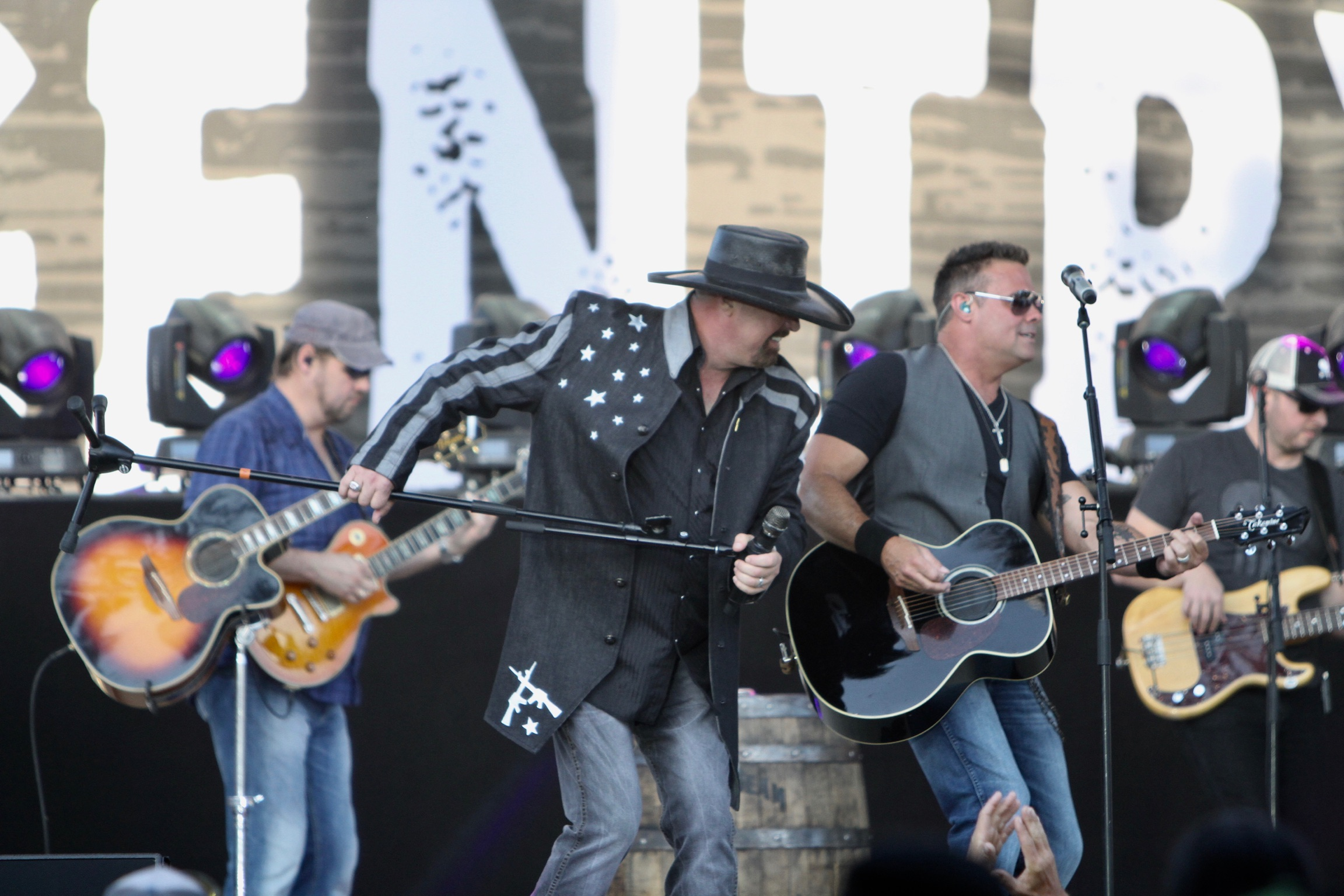 Montgomery Gentry Pictures!