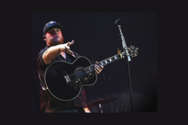 Luke Combs Makes a Beautiful Memory For A Young Fan [VIDEO]
