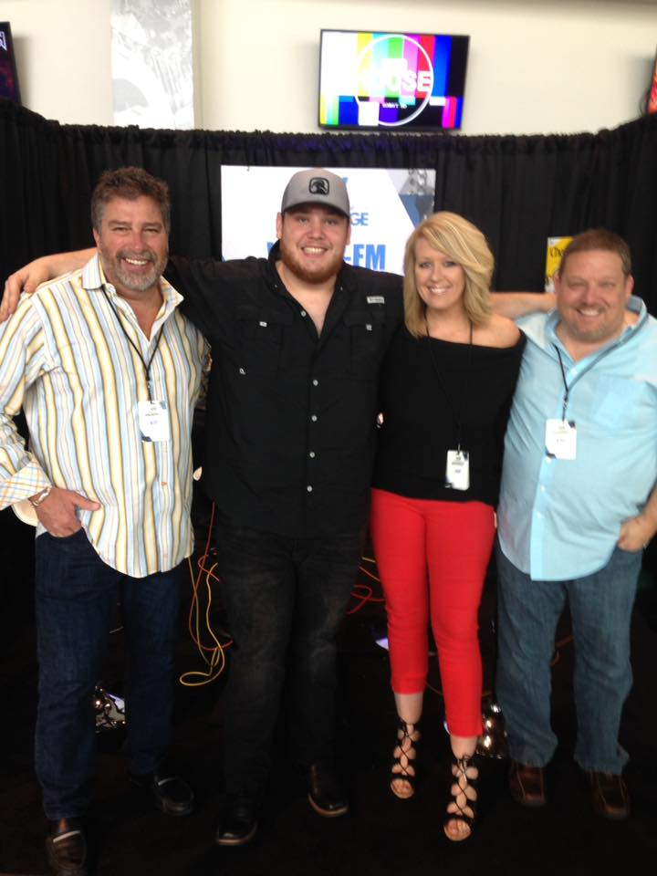 Throwback Thursday – Luke Combs Talks About Getting Fired!