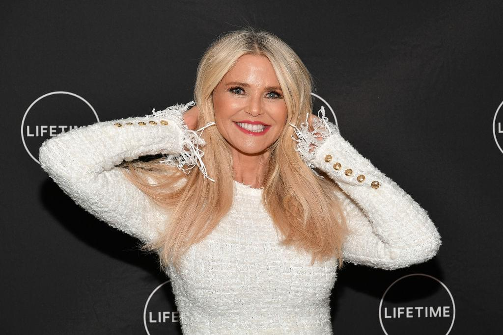 Christie Brinkley Posts Bikini Pic At 65 And She Looks AMAZING [PHOTO]