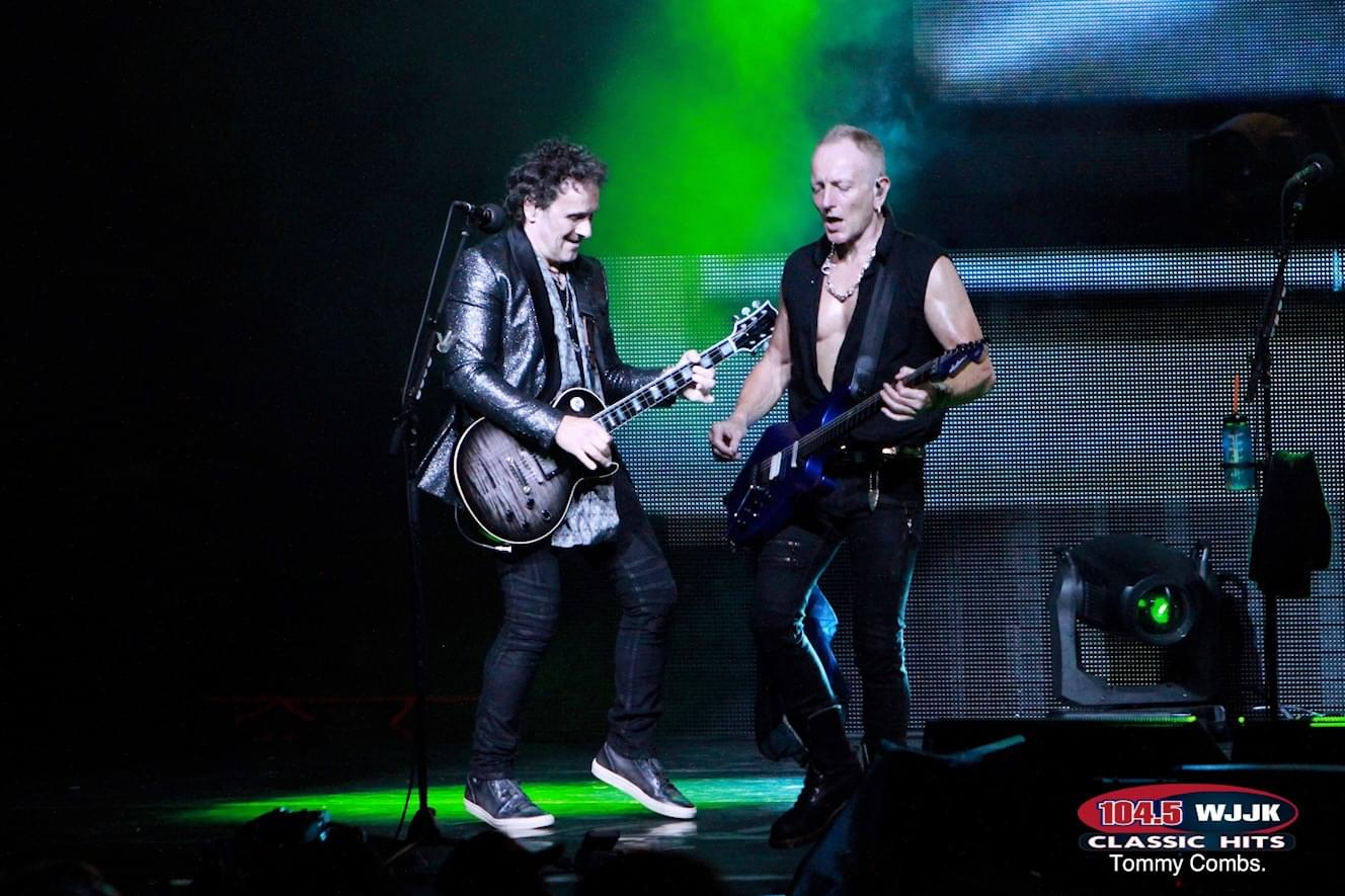 Rockin' Photos From This Week's Def Leppard & Journey Concert!