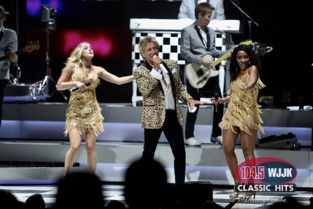 Excellent Photos Of Rod Stewart's Recent Indy Concert!