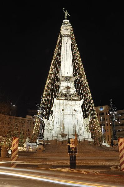 398px-Monument_Circle_Christmas