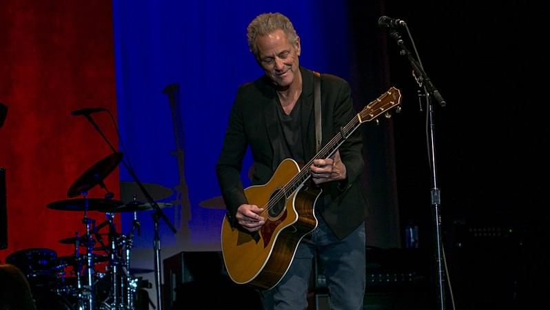 Lindsey Buckingham Plays An Unusual Show, Bringing His Wife To Tears