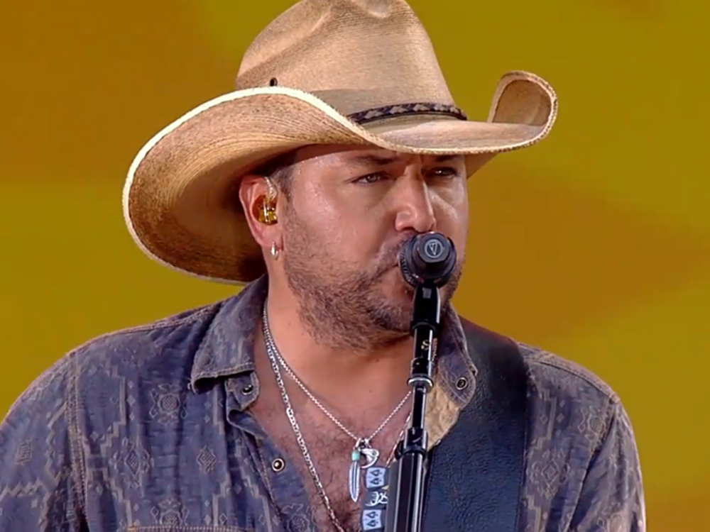 """Watch Jason Aldean Bring The Heat To """"Good Morning America"""" Stage with """"Lights Go On"""" Performance"""