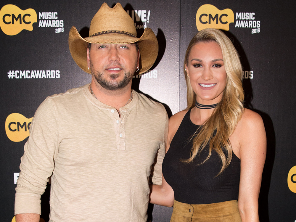 """Jason Aldean Gets a Big Surprise From Wife Brittany on Animal Planet's """"Tanked"""""""