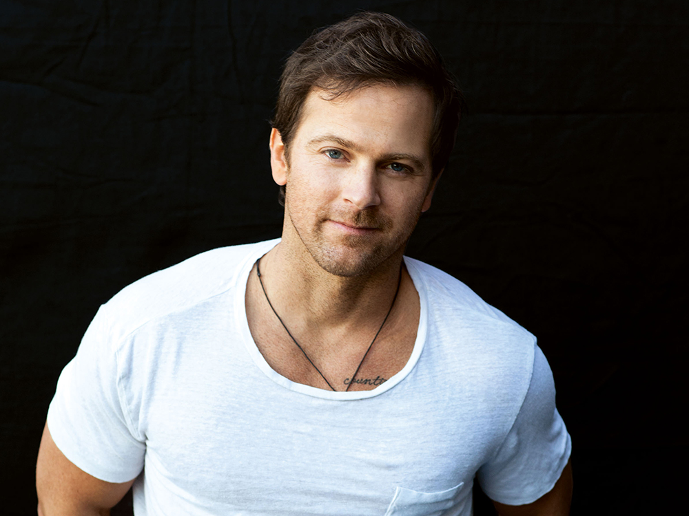 """Kip Moore Sounds Off On Social Media: """"You Don't Need All the Plush Bull@#$% You've Been Brainwashed to Desire."""""""