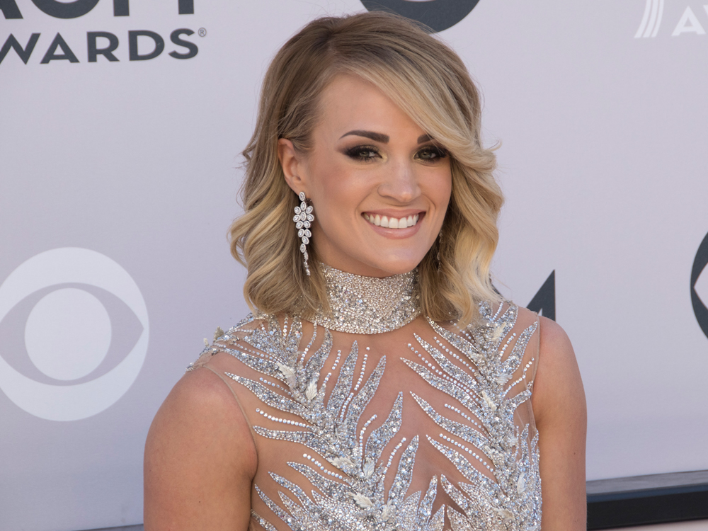 Is Carrie Underwood Pregnant? [PICTURE]