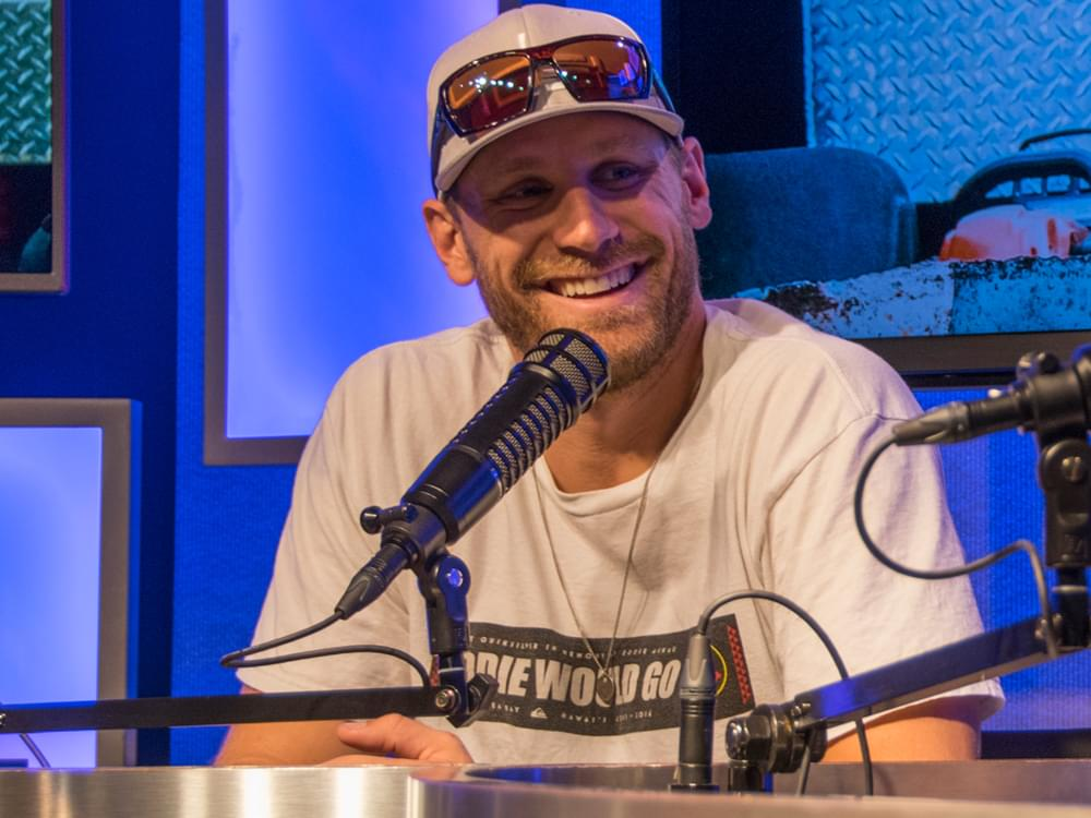 """Chase Rice Scores First No. 1 Single With """"Eyes On You"""""""