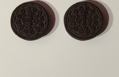 What color are Oreos, brown or black?