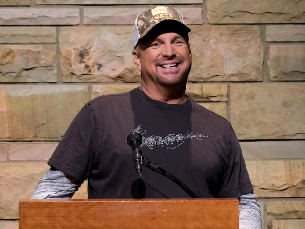 "Garth Brooks Teams With ""Words With Friends"" for Final Pre-Sale of ""The Legacy Collection"""