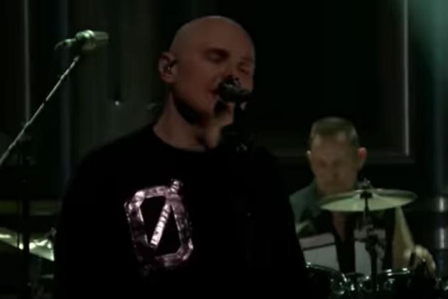 Watch The Smashing Pumpkins Perform 'Solara' on The Tonight Show [VIDEO]