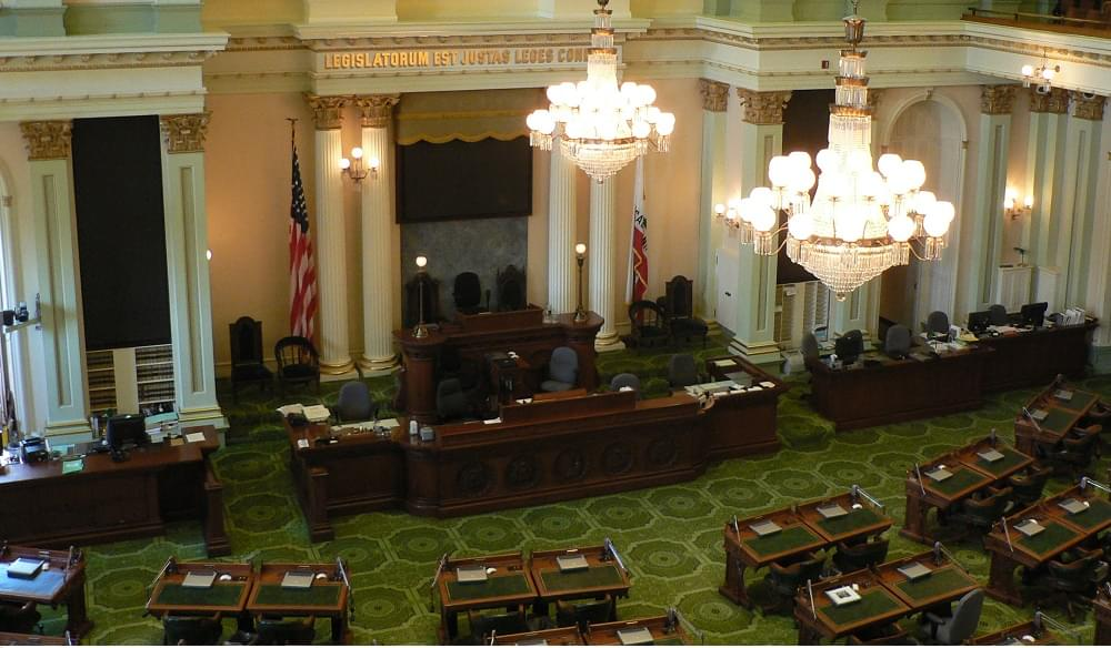 CA Democrats Vote to Expand Earned Income Tax Credit