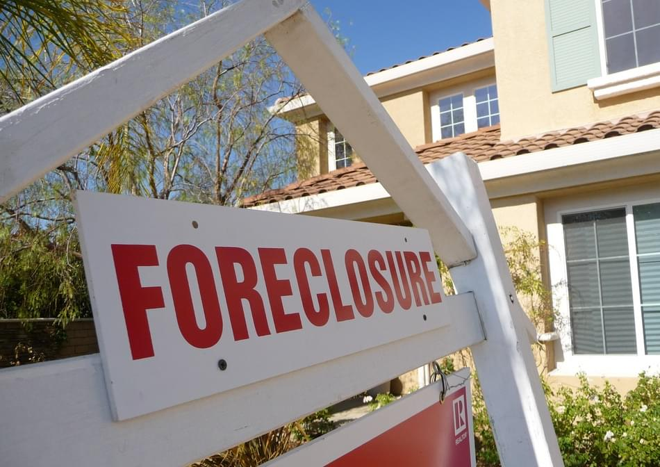 Foreclosures Fall to 20-Year Low