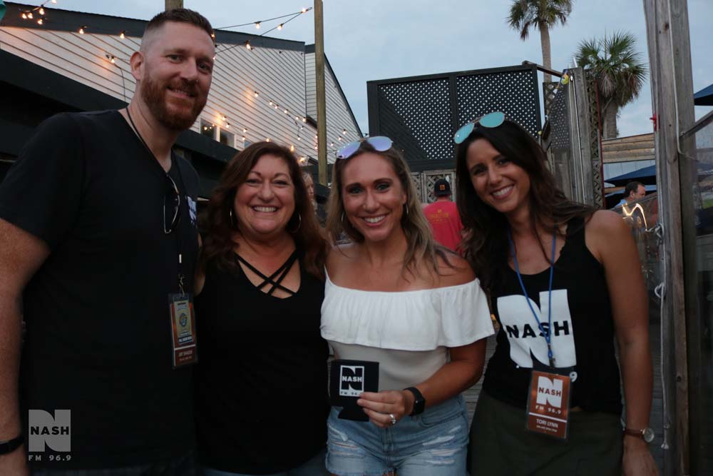NASH Summer Concert with Clare Dunn & Radio Romance