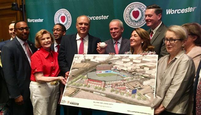 Worcester welcomes Pawsox1