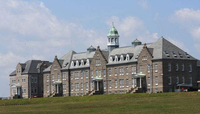 War college announces departure of its financial officer