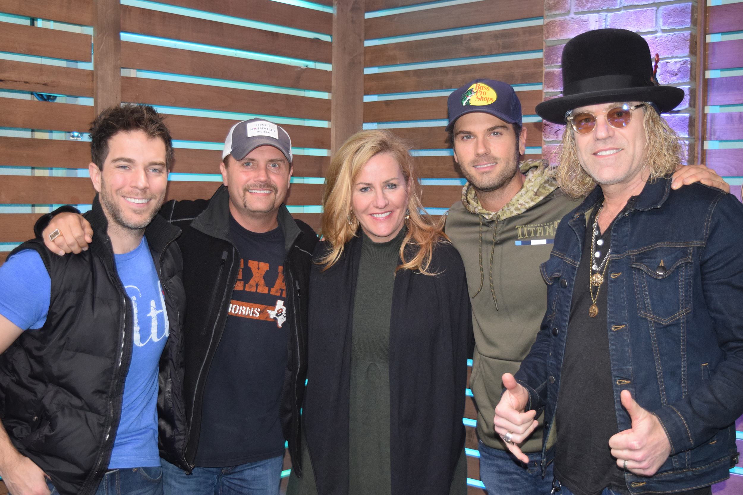 big & rich share holiday plans, name 'naughty & nice' country
