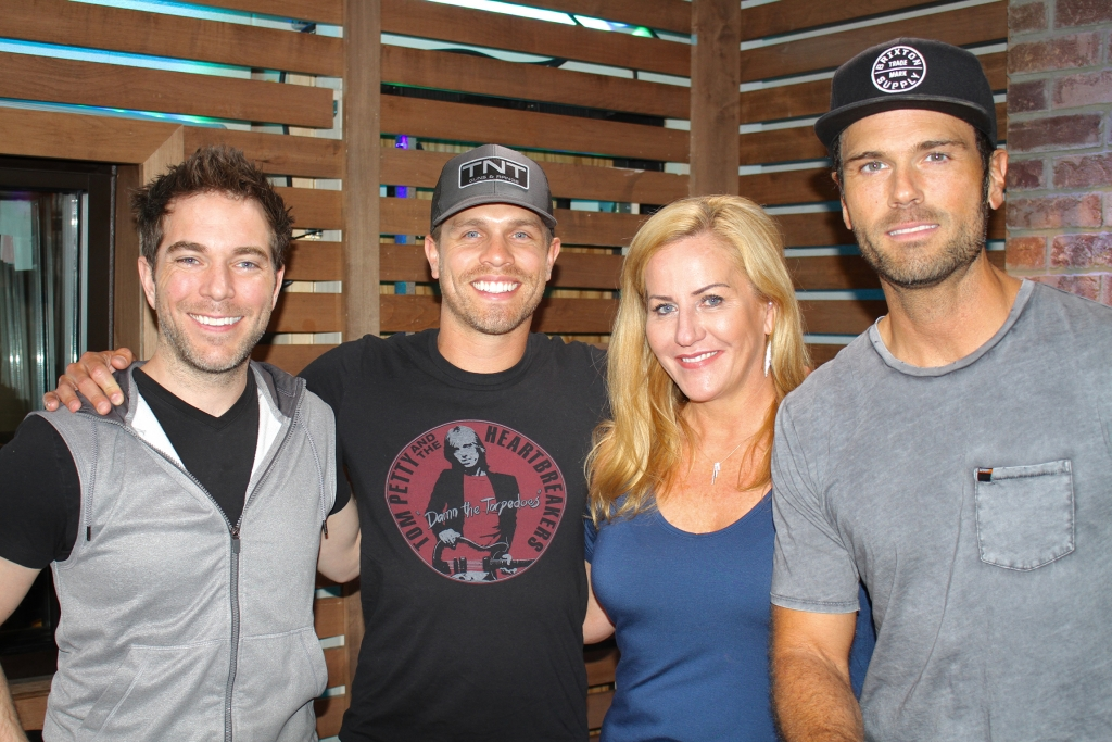 Dustin lynch accepts our offer to go skydiving if good girl goes just in time for summer dustin lynch brought by his brand new song good girl for us this morning we also convinced mostly peer pressured him into m4hsunfo
