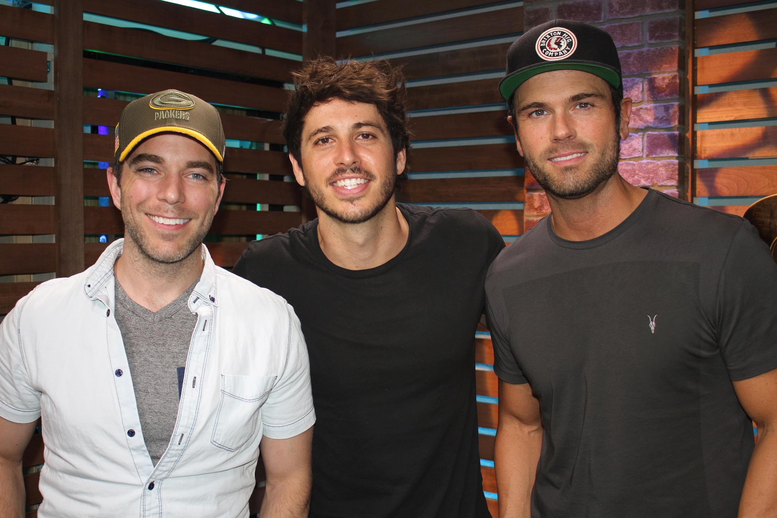 Morgan Evans Reveals the Many Inspirations Behind His New Music, Shares Hilarious Customs Story, Does a Garth Brooks Impression & MORE