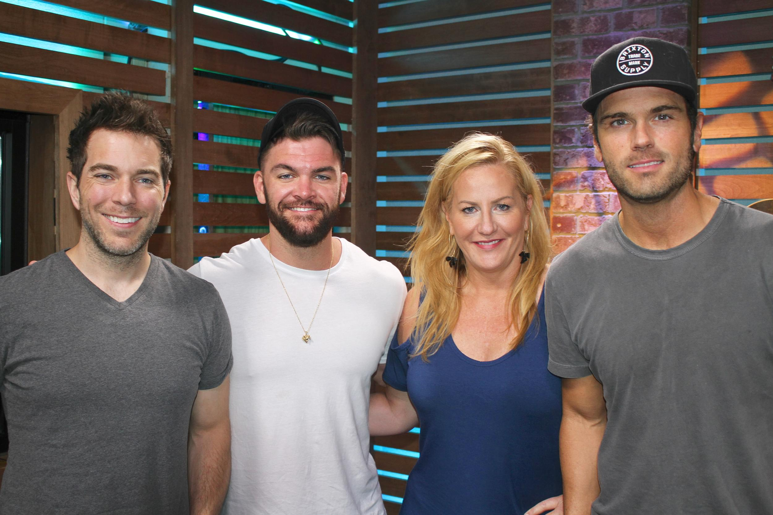 """Dylan Scott Reveals the Connection Between His Song """"Hooked"""" & Kelsea Ballerini's """"Peter Pan,"""" Talks Life on the Road as a Dad & MORE"""
