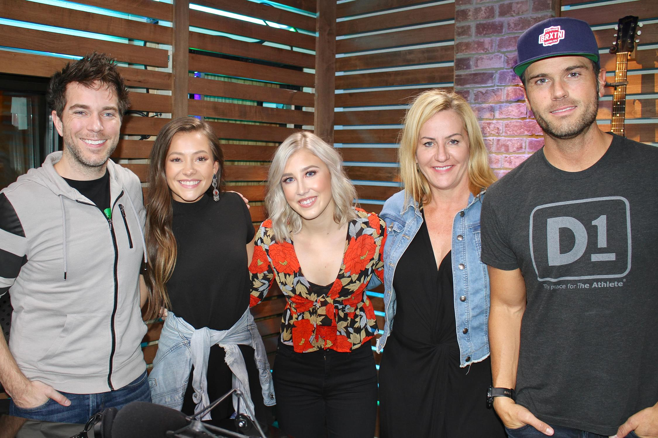"Maddie & Tae Talk Proposals, New Song ""Friends Don't,"" Halloween & MORE"