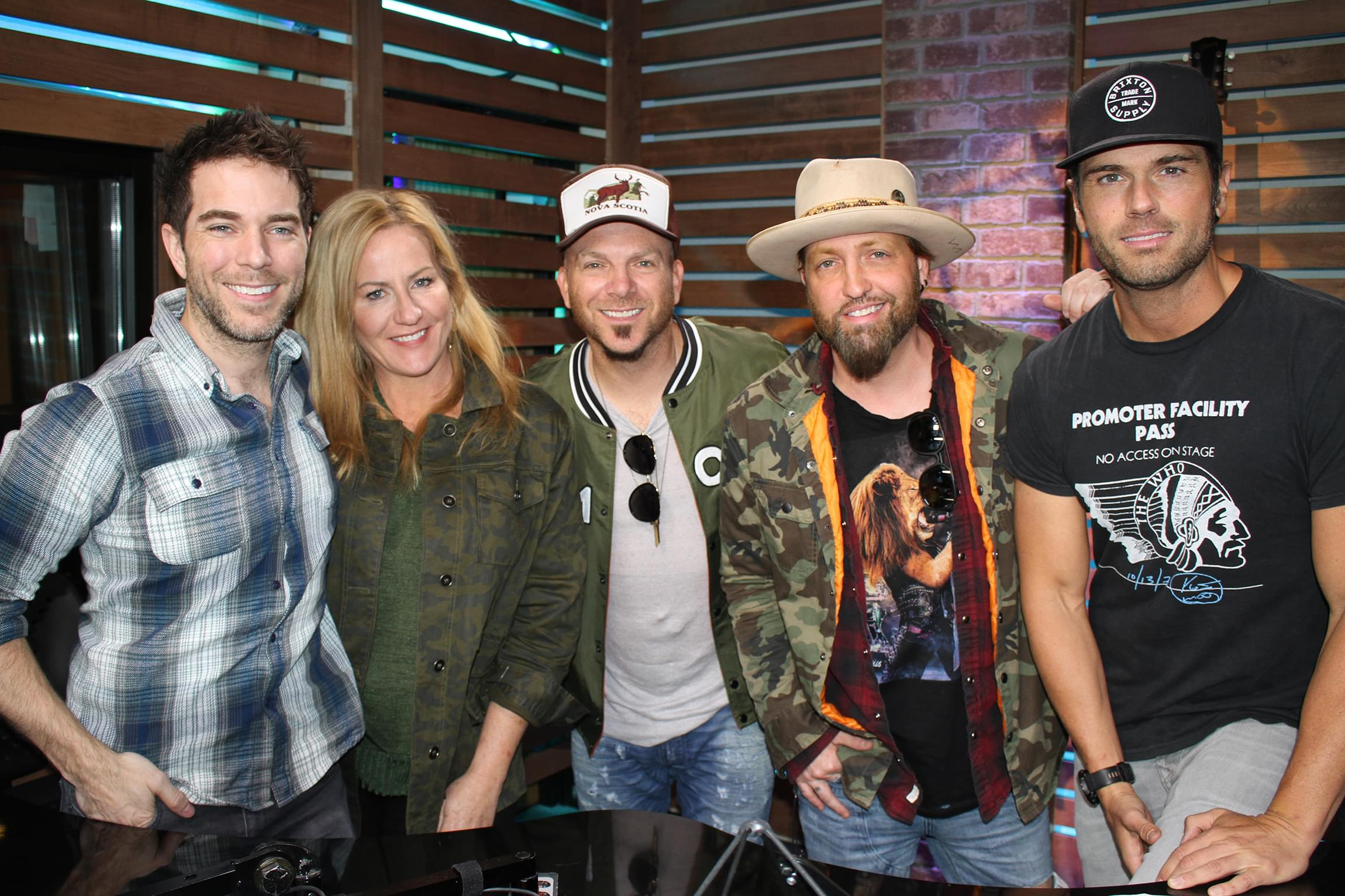 "LOCASH Performs Their New Song ""Feels Like a Party,"" Tells the Hilarious Story of When They Thought a Crowd Hated Them & MORE"