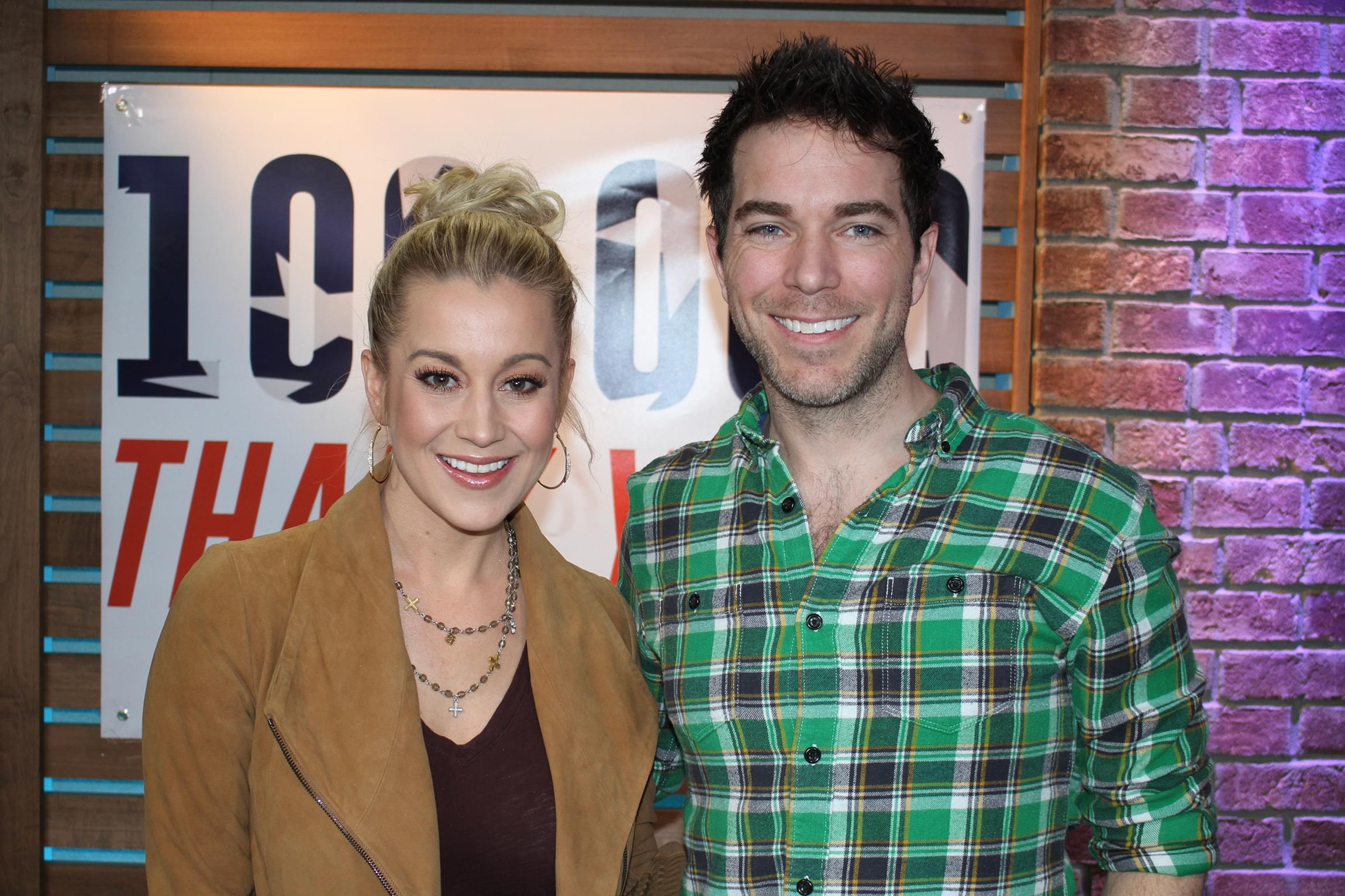 "Kellie Pickler Discusses New Movie ""Christmas at Graceland,"" Playing Elvis' Piano & MORE"