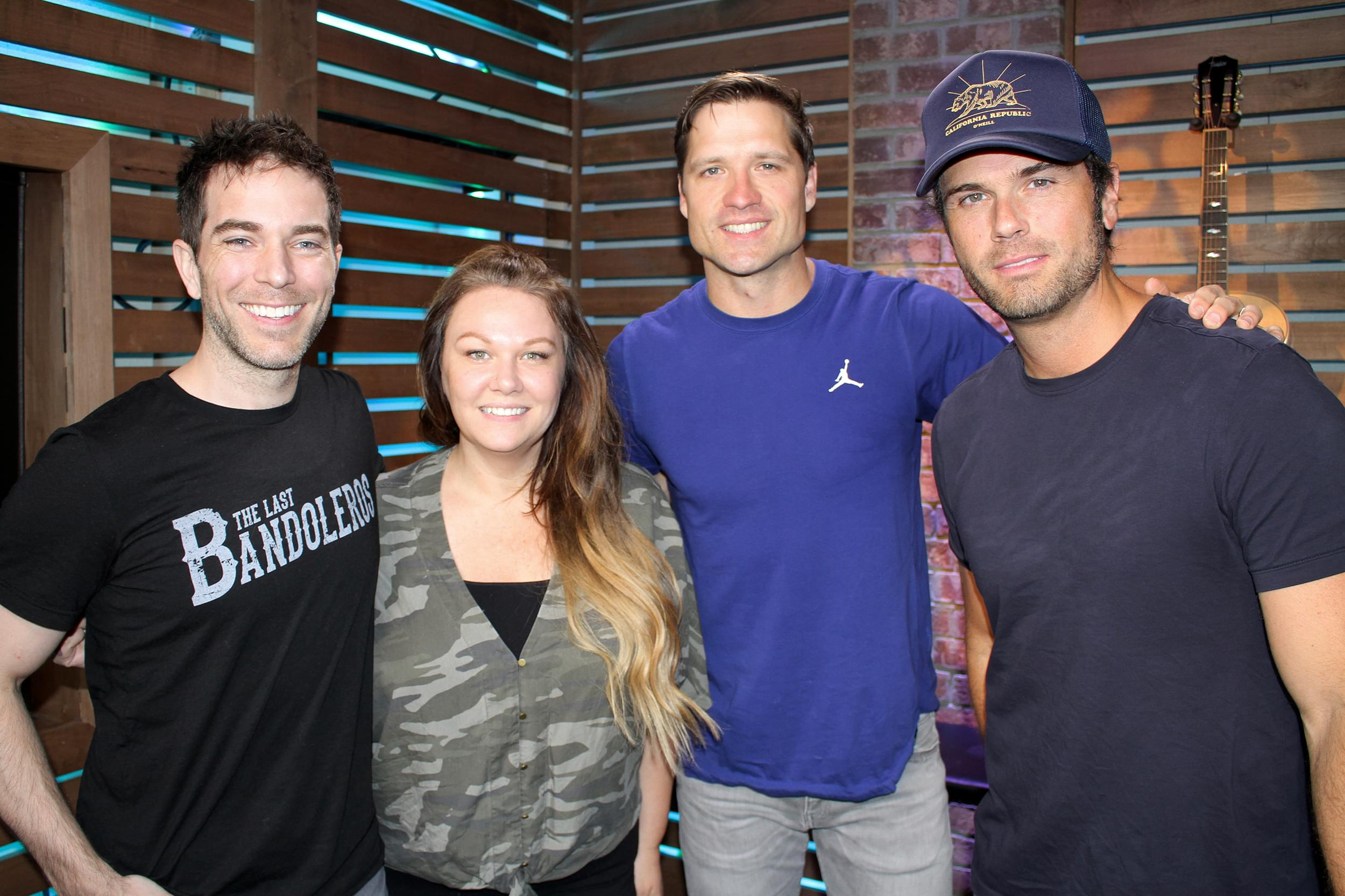 """Walker Hayes Performs """"Don't Let Her,"""" Talks About His Hilariously Chaotic Household, the Possibility of Going On Stage Shirtless & MORE"""