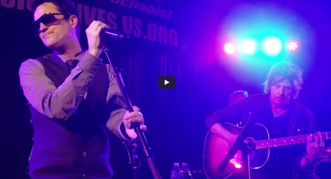 STP Play Acoustic Concert For Charity in Massachusetts
